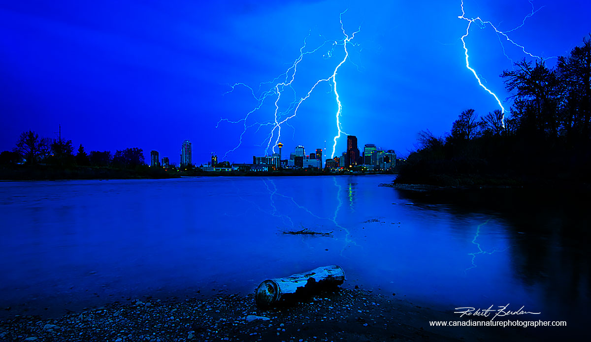 Photograph of lightening next to the Bow river near the Calgary Zoo with Calgary Robert Berdan ©