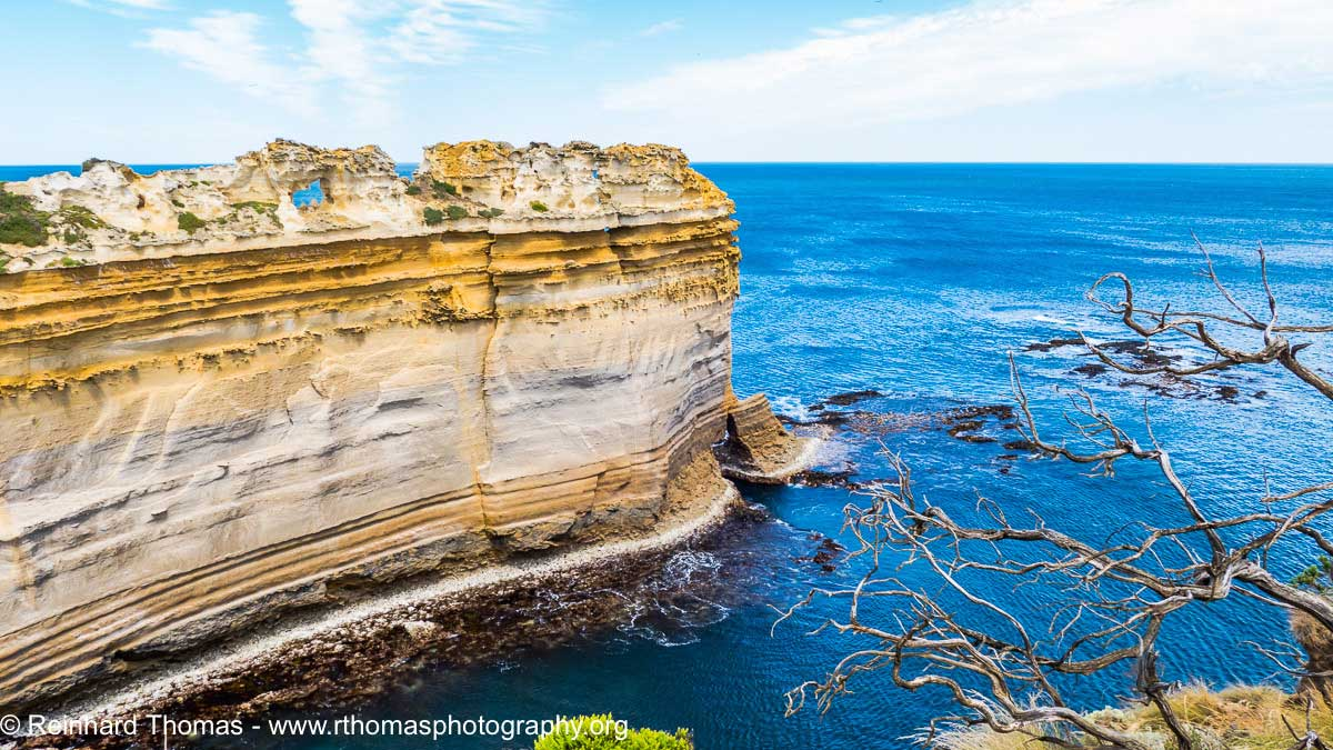 The Razorback rock Australia by Reinhard Thomas ©