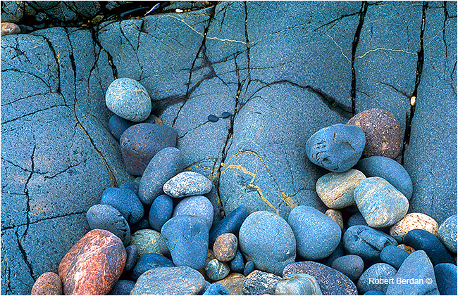 Smooth stones by Robert Berdan ©