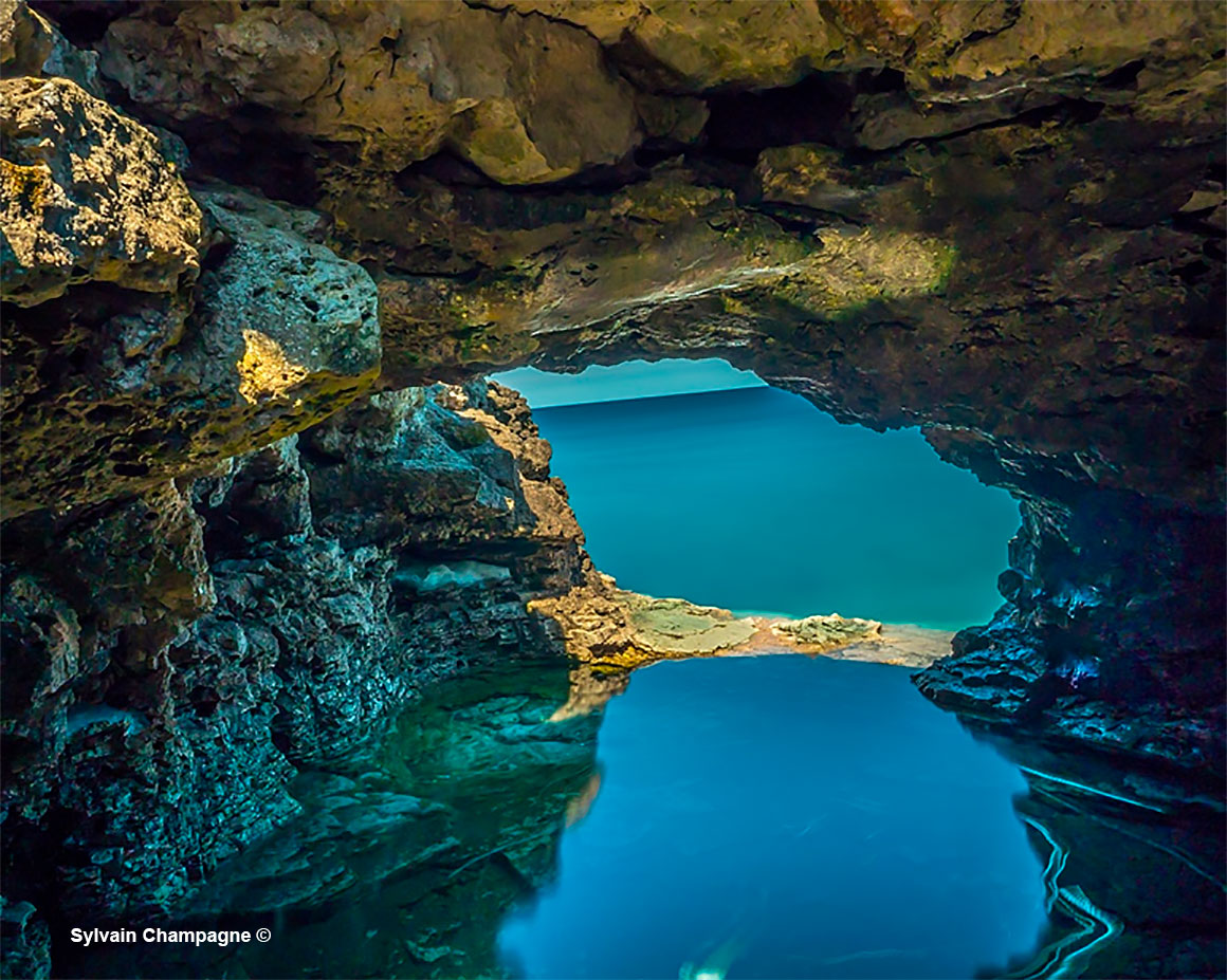 The Grotto Bruce Peninsula National Park by Sylvain Champagne  ©